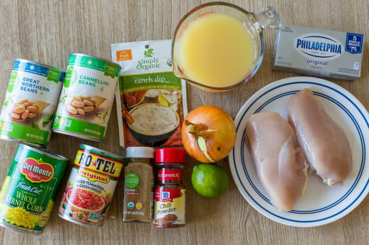 Ingredients to make the best chicken chili